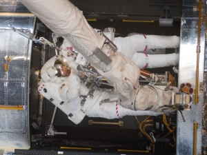 hubblespacewalk4