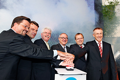 ESA, the German Aerospace Center (DLR), the German federal state of Bavaria and the German bank Kreissparkasse München Starnberg opened the fourth ESA Business Incubation Centre in Oberpfaffenhofen on 3 August. Over the next four years, some 40 company start-ups are expected to be supported there. From left to right: Frank M. Salzgeber (Head of Technology Transfer Programme Office in ESA), Thorsten Rudolph (Head of Anwendungszentrum GmbH), Martin Zeil (Bavarian Minister of State for Business, Infrastructure, Transport and Technology), Jean-Jacques Dordain (Director General of ESA), Prof. Johann-Dietrich Wörner (Chairman of DLR Executive Board) and Josef P. Bittscheidt (Chairman, Kreissparkasse München Starnberg). Credits: ESA/Simone Hörmann