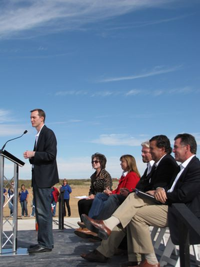Geroge Whitesides addresses the crowd during the dedication of Spaceport America's runway.