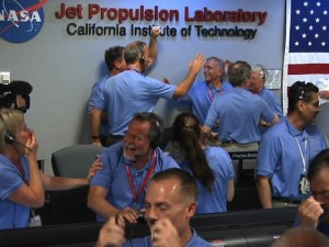 curiosity_engineers_celebrate