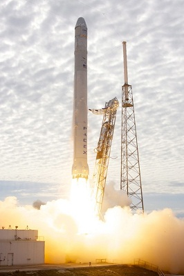 Dragon_CRS2_launch