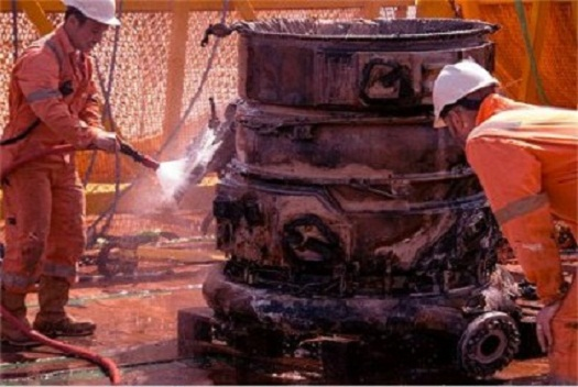 saturnv_engine_cleaning