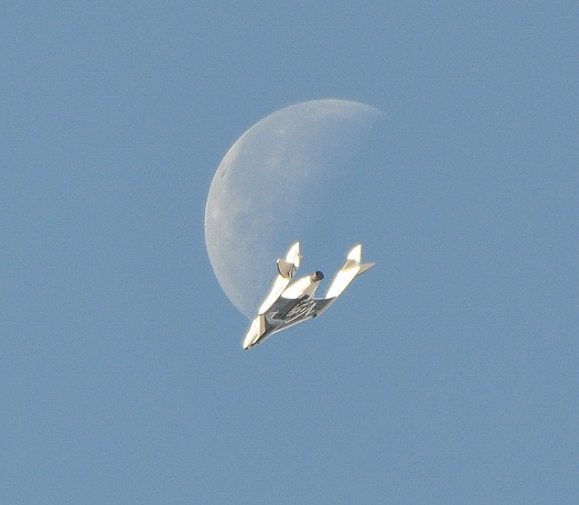 SpaceShipTwo during a glide flight on April 3, 2013. (Credit: Bill Deaver)