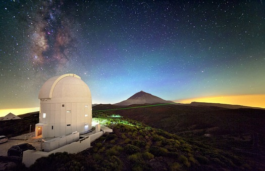A laser from Optical Ground Station on Tenerife. (Credit: ESA)
