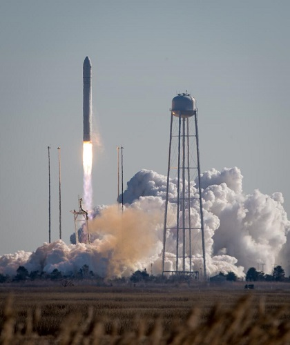 Antares lifts off from Wallops Island. (Credit: NASA)