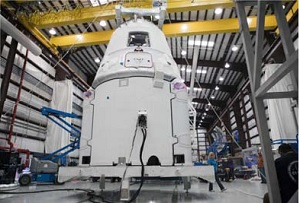 Dragon with integrated trunk. (Credit: SpaceX)
