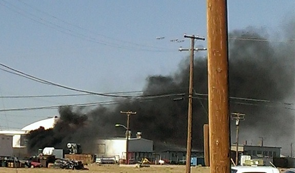 Fire at a Spaceship Company hangar at the Mojave Air and Space Port. (Credit: Douglas Messier)