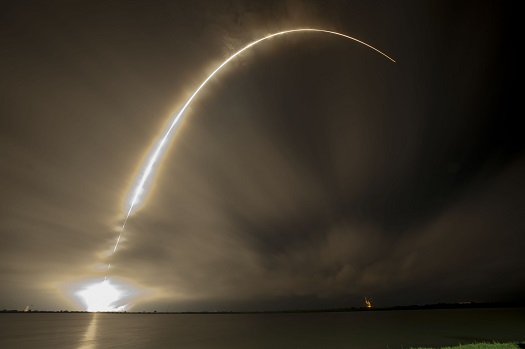 Falcon 9 launches AsiaSat8 into orbit. (Credit: SpaceX)