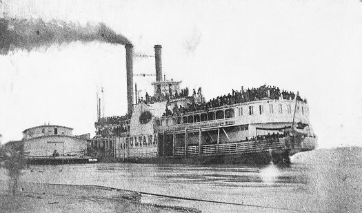 The overloaded, doomed SS Sultana hours before it exploded on the Mississippi River. (Credit: Library of Congress)