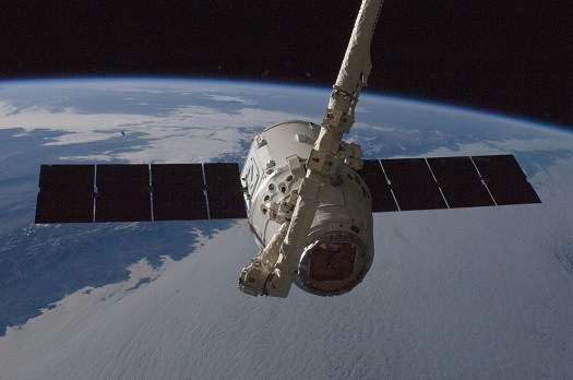 SpaceX Dragon freighter at ISS. (Credit: NASA)
