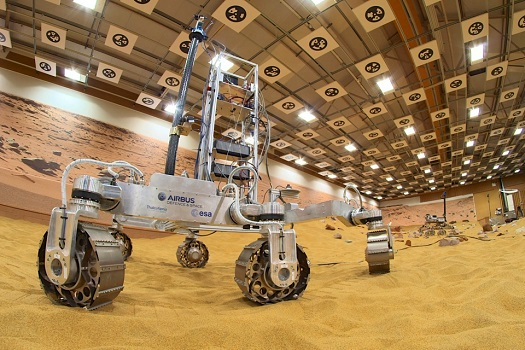 Prototype ExoMars rover. (Credit: Airbus Defence and Space)