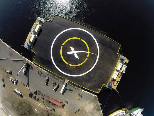 SpaceX first stage recovery drone ship. (Credit: SpaceX)