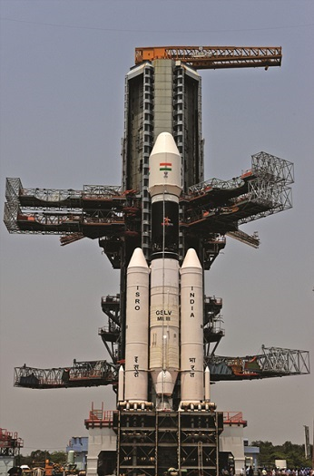 GSLV Mk-III mock-up at the second launch pad. (Credit: ISRO)
