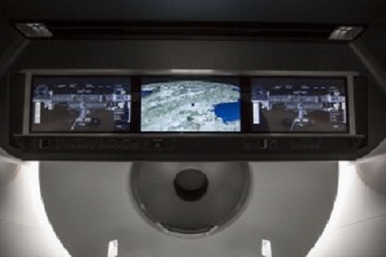 Crewed Dragon instrument panel (Credit: SpaceX)