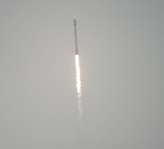 The SpaceX Falcon 9 rocket is seen as it launches from Vandenberg Air Force Base Space Launch Complex 4 East with the Jason-3 spacecraft onboard, , Sunday, Jan. 17, 2016, Vandenberg Air Force Base, California. Jason-3, an international mission led by the National Oceanic and Atmospheric Administration (NOAA), will help continue U.S.-European satellite measurements of global ocean height changes. (Credit: NASA/Bill Ingalls)