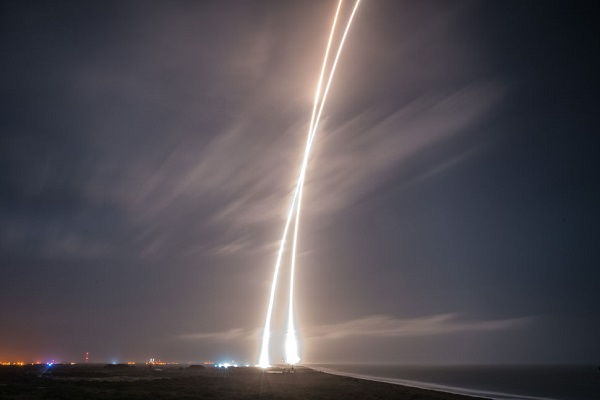 Falcon 9 launch and landing. (Credit: SpaceX)