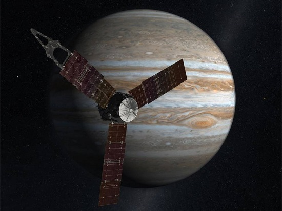 NASA's solar-powered Juno spacecraft will arrive at Jupiter on July 4, 2016. (Credit: NASA)